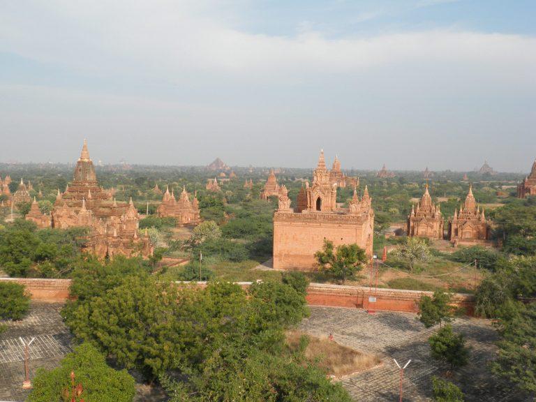 Külföldi utazás Burma Bagan látkép