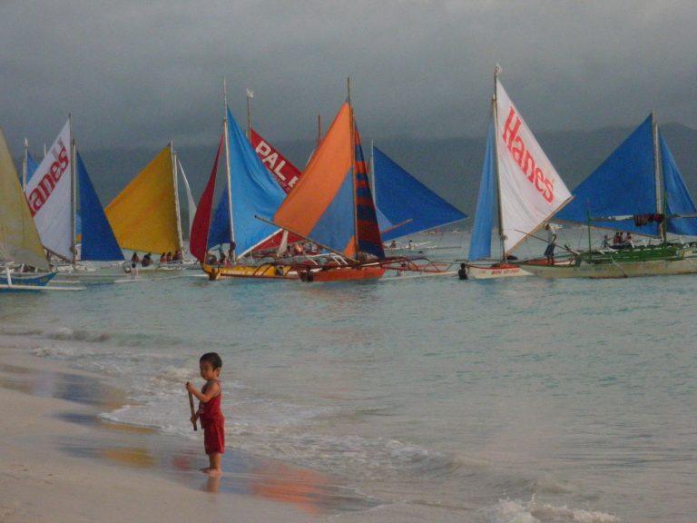Külföldi utazás Fülöp-szigetek, Boracay vitorláshajók